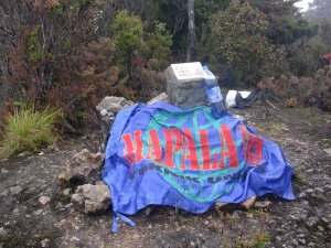 Puncak Gunung Gandang Dewata