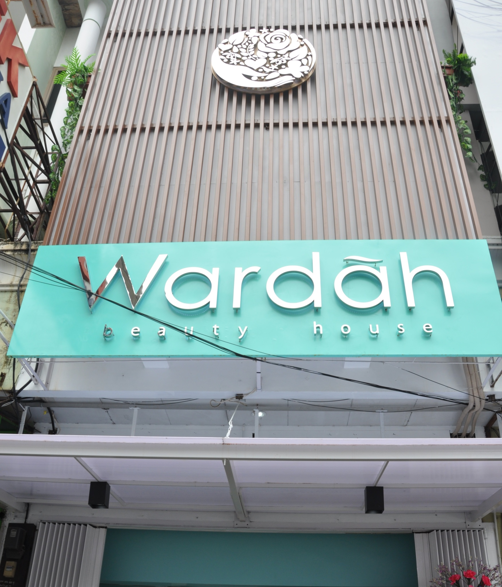 wardah beauty house makassar